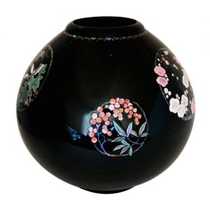 金胎螺鈿花器 花丸図