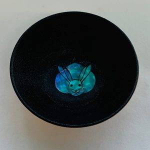 螺鈿盃(うさぎ模様)